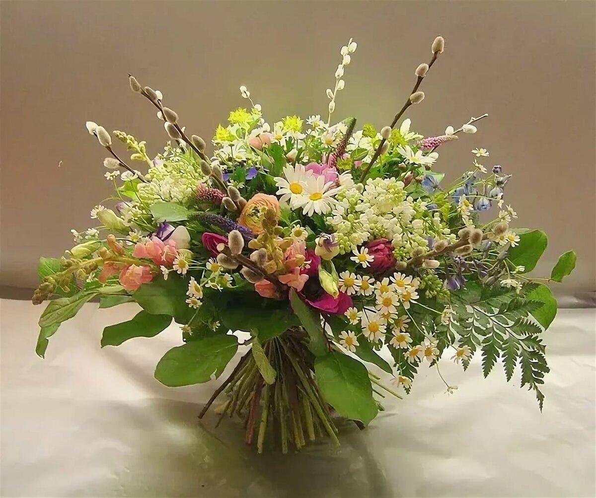 Дизайнерский букет весенний цветы, оптовый