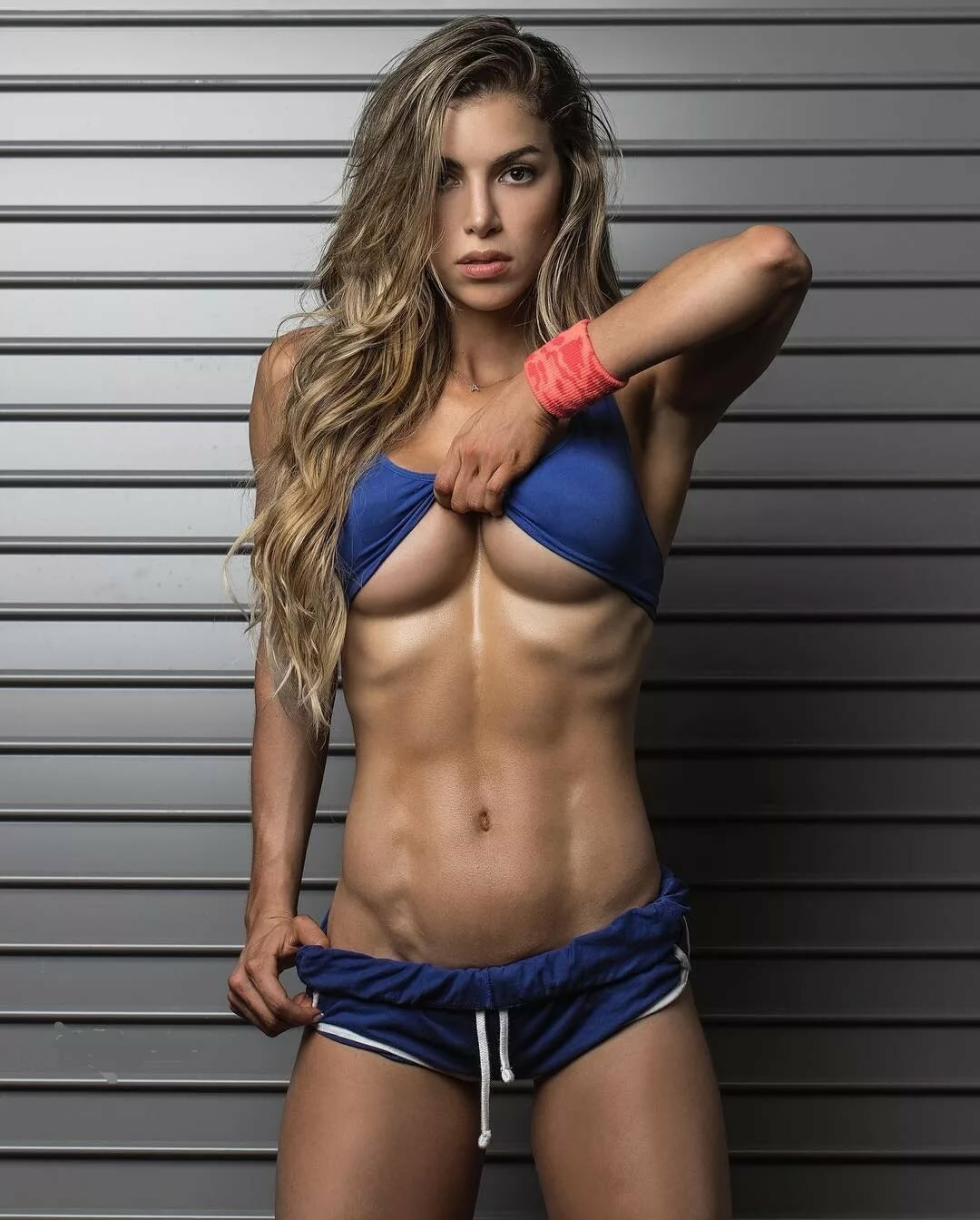 sexy-topless-fitness-girls