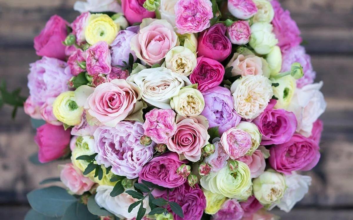 Пионовые розы фото букет