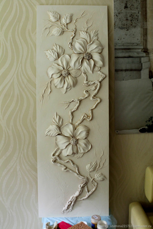 барельефы цветов на стене фото дата рождения камбербэтча-младшего