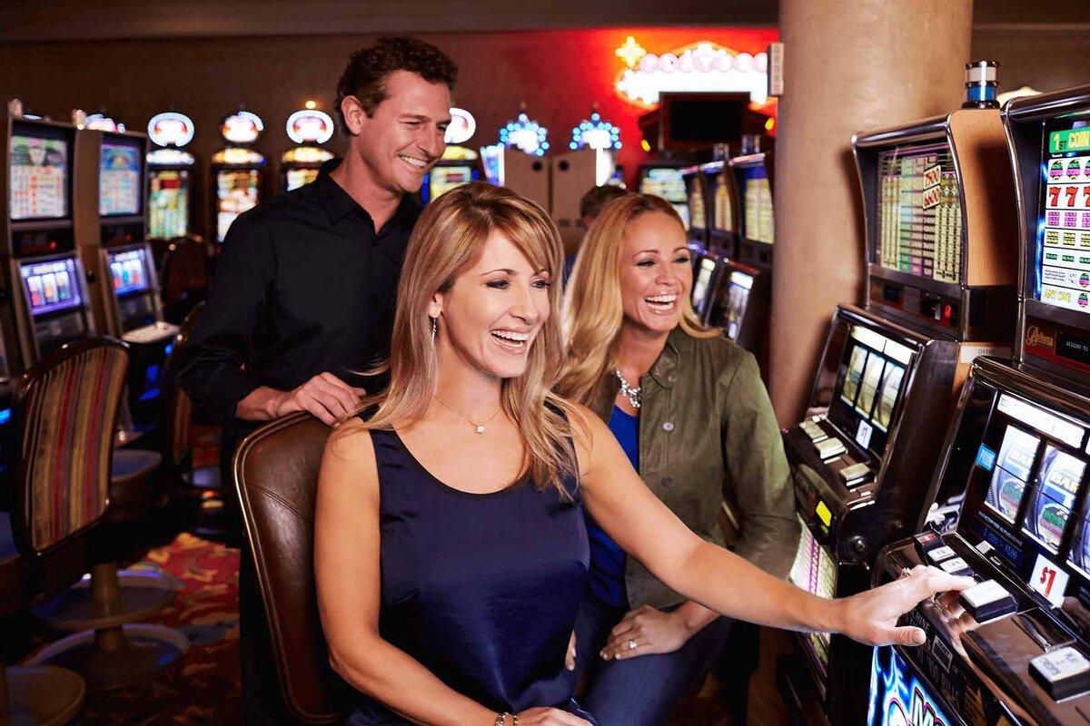 фото Играющий в казино человек