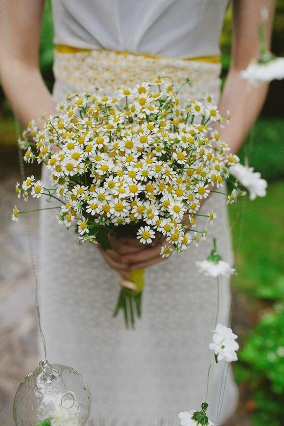 Красивый, любовный букет из ромашек свадебный