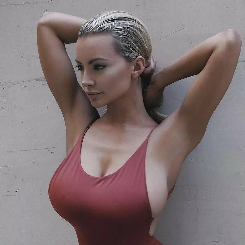 Красные фото самых больших сосков девушек