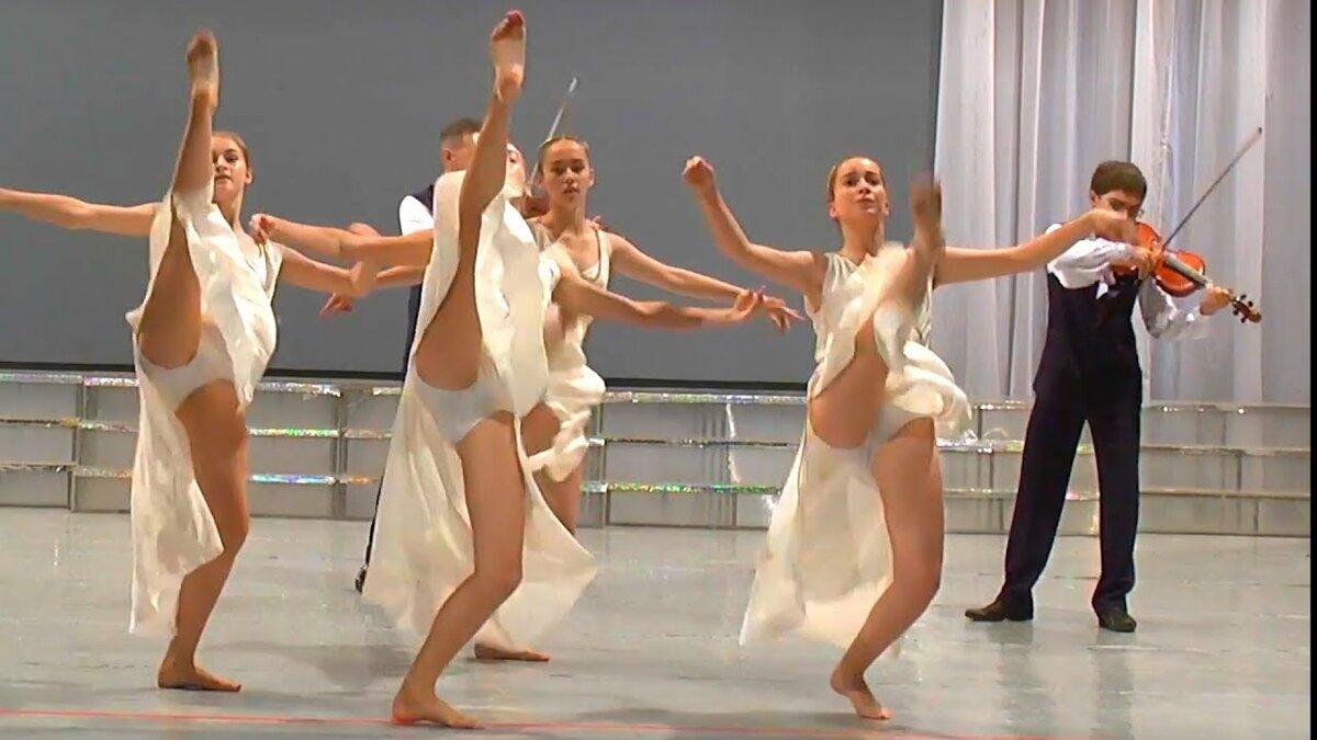 фото трусики у танцорок некоторые либо