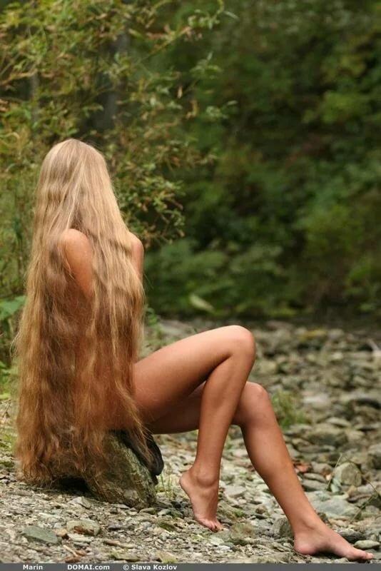 eroticheskie-foto-devushek-blondinok-s-dlinnimi-volosami-kak-hudie-trahayutsya