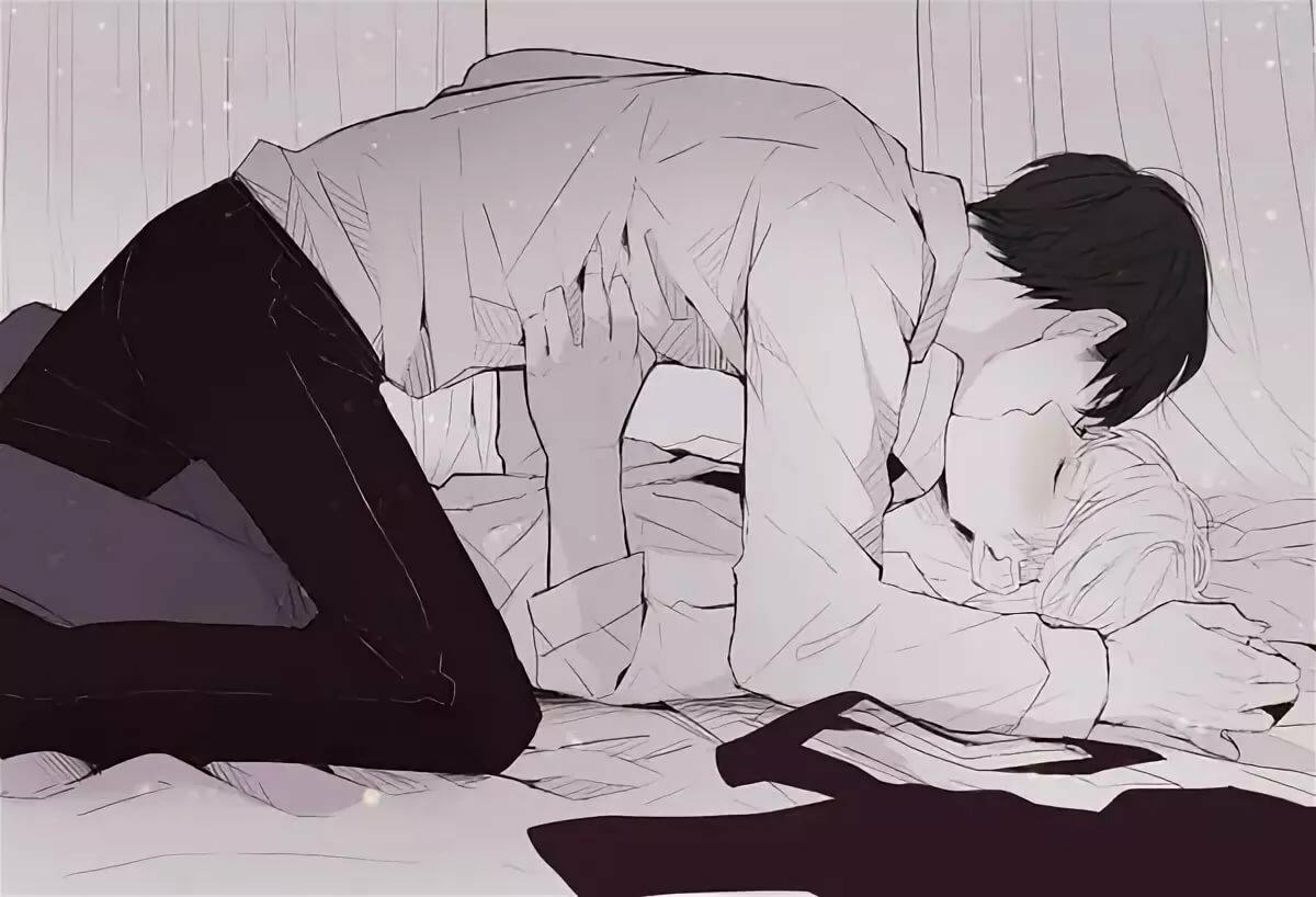 парень повалил на кровать