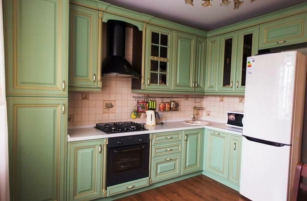 белая кухня с зеленой патиной картинки картинки