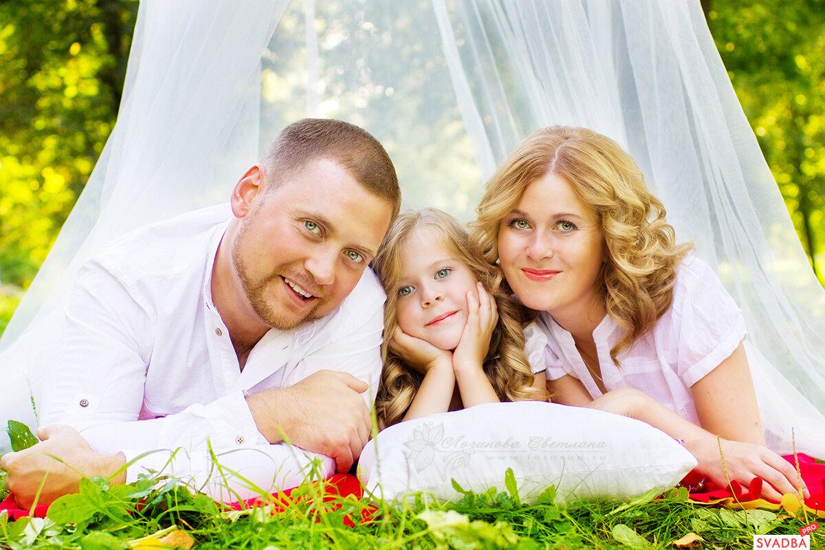 счастливые семейные пары с детьми картинки