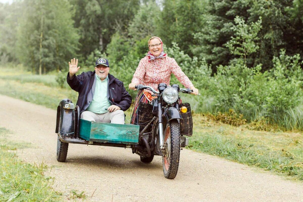 Февраля, смешные картинки бабка на мотоцикле