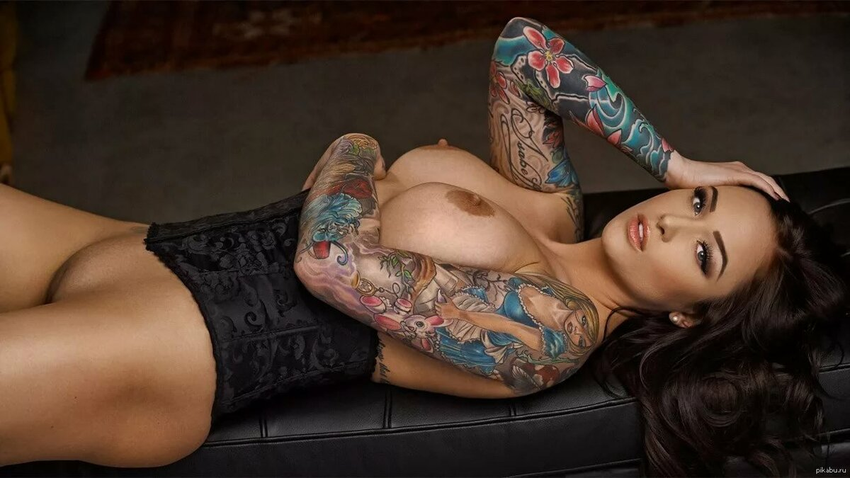 Hot tattooed girls nude, college cute