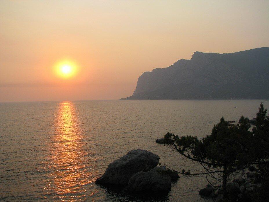 крым море на закате фото туристов так