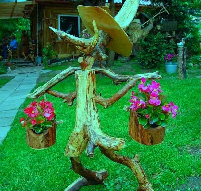 Засохшее дерево на даче можно применить фото