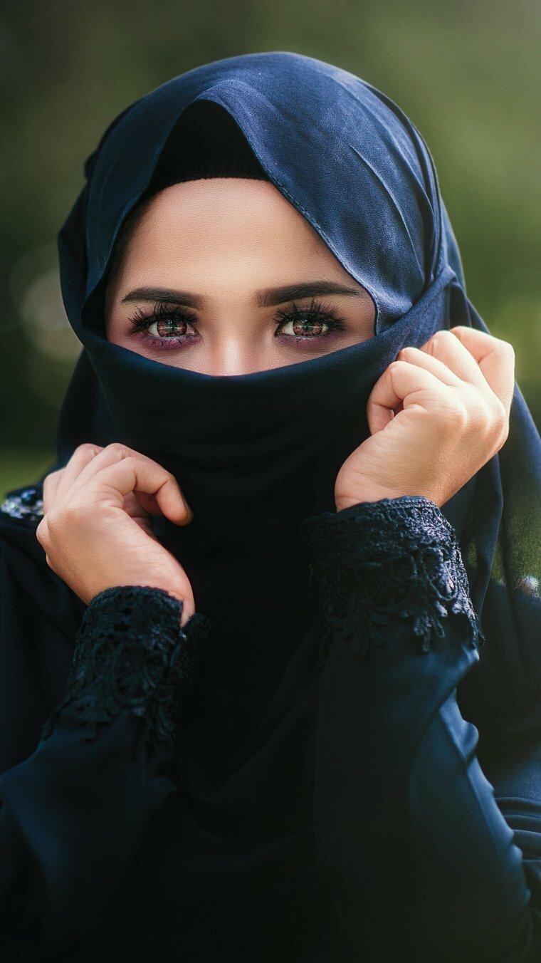 Девушки с хиджабами картинки