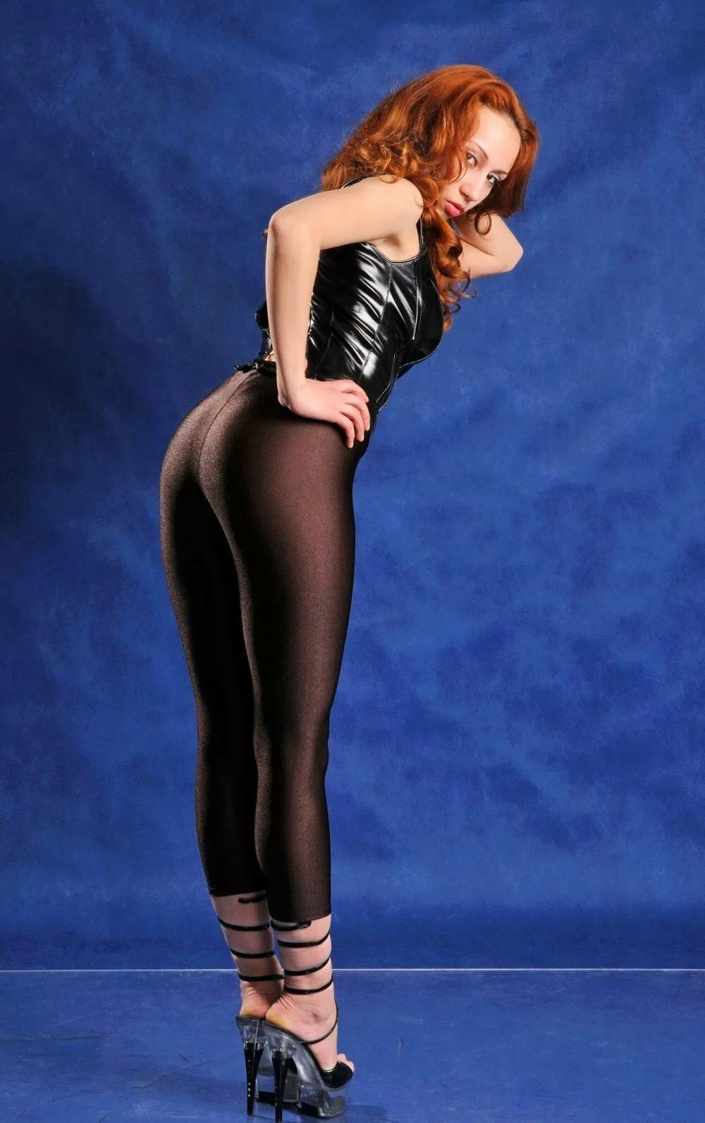 Redhead leggings naked porn video
