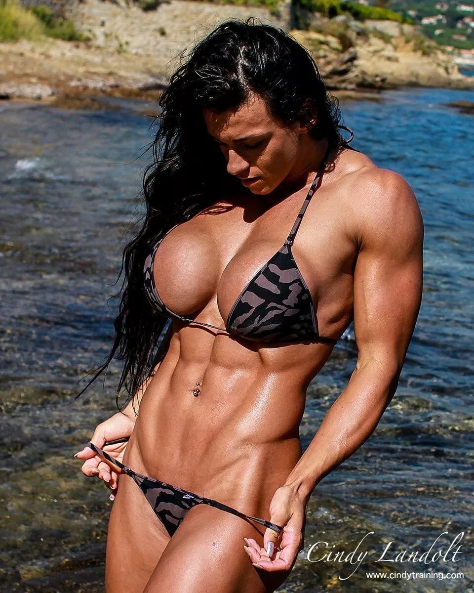 australian-women-fitness-models-deepthroat-hole