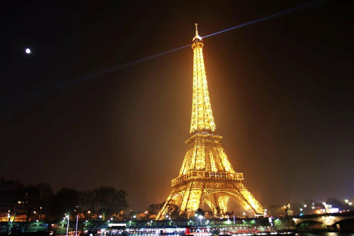 Картинки эйфелевой башни в париже ночью
