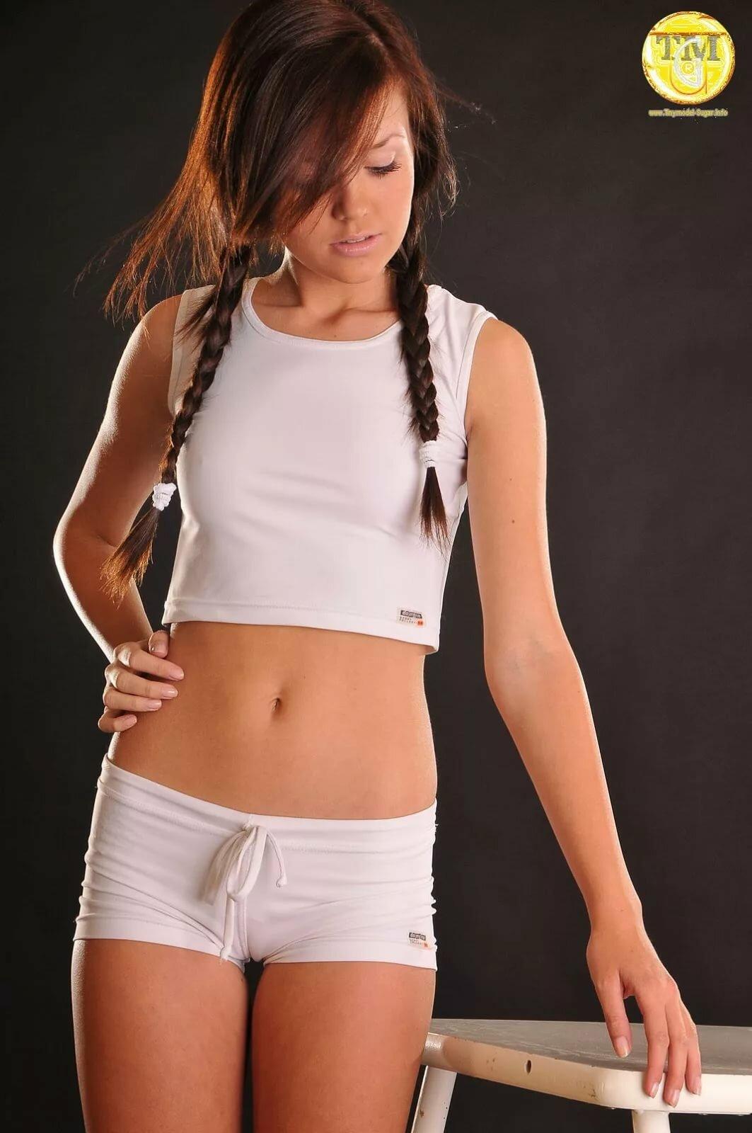 daily-vagina-art-young-model-pics