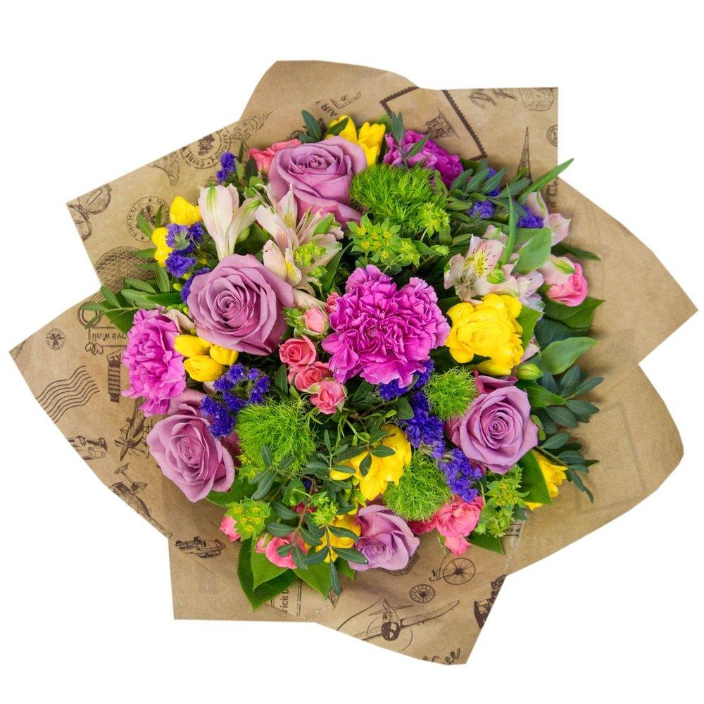 букет цветов в виде открытки шары