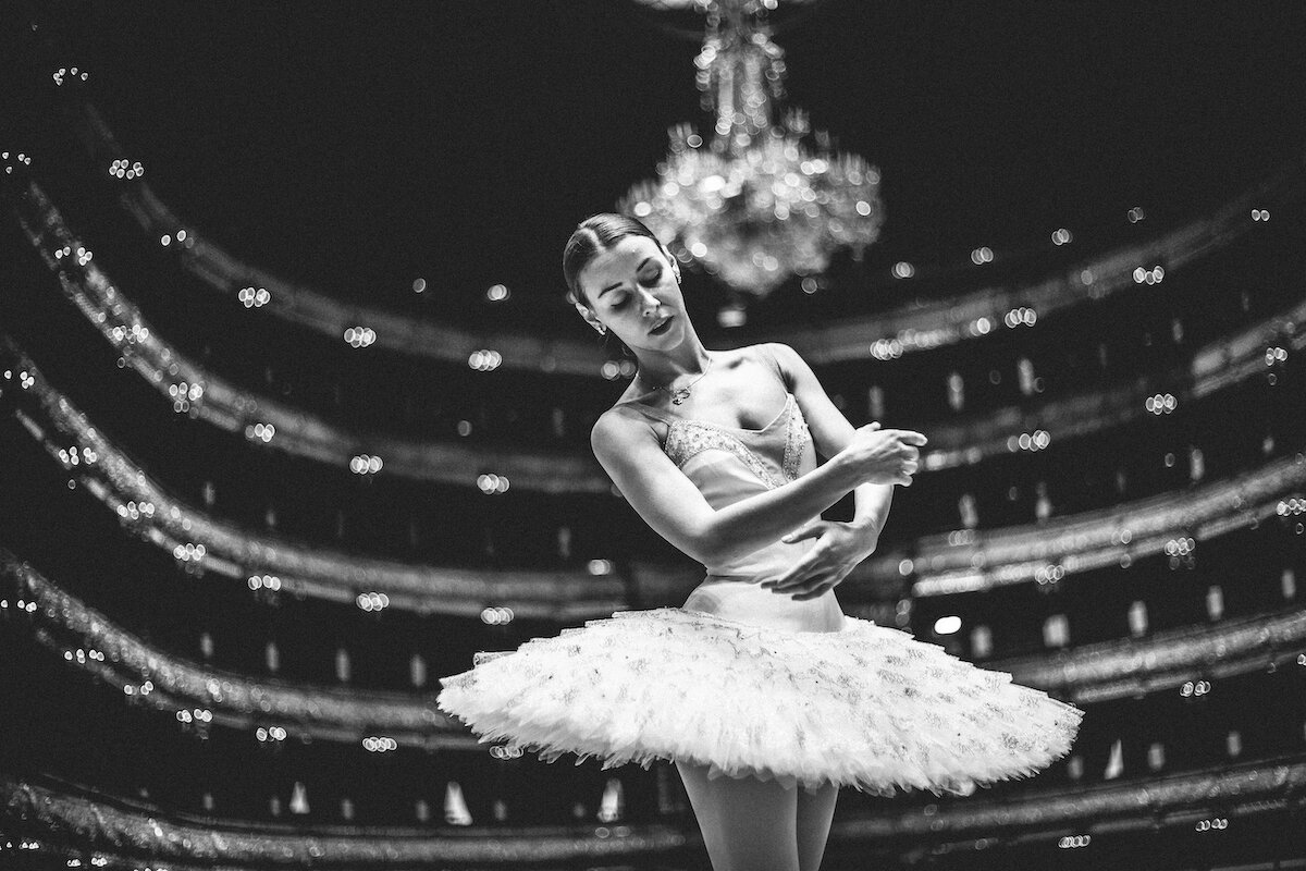 балерины на сцене картинки меньшей