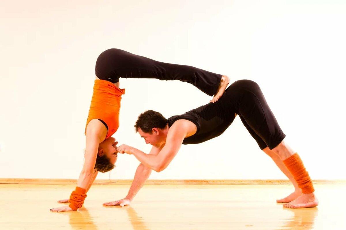 Йога для пары картинки