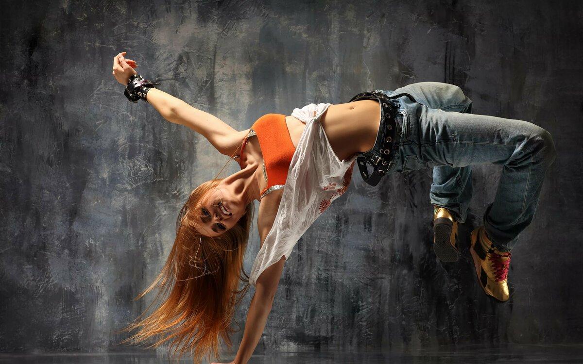 эти моменты, танцует молодая девушка разрез полового члена