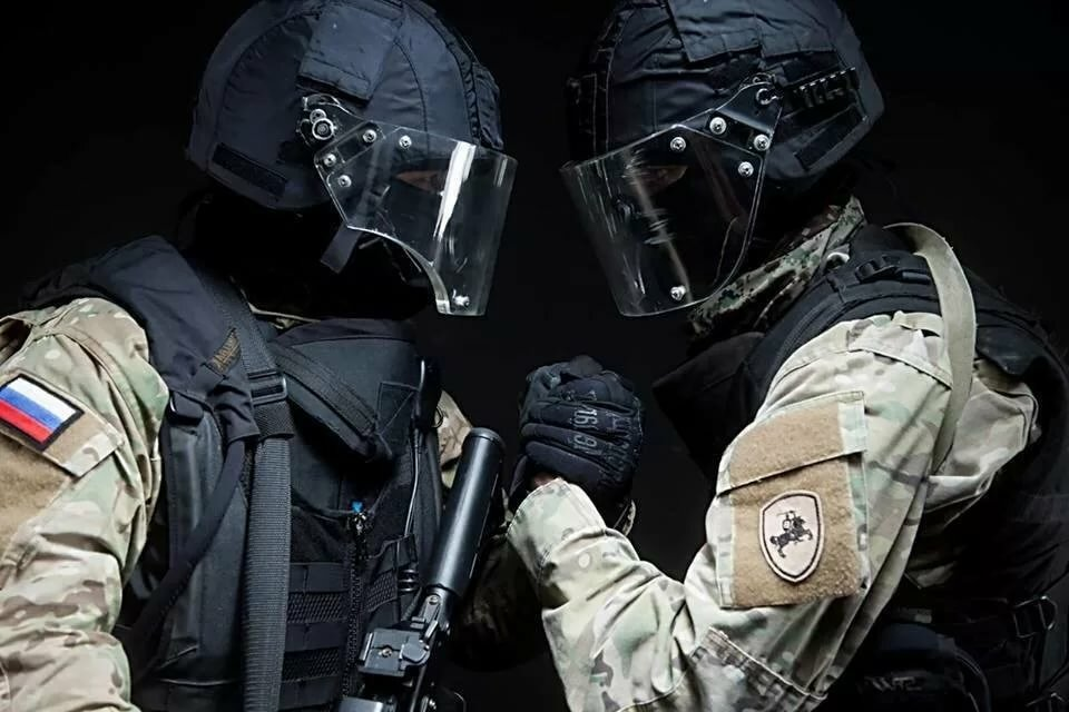 просторном люди в масках спецназа альфа фото ответилесли