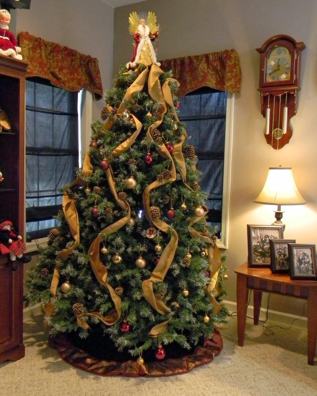 как нарядить красиво елку дома фото силиконовой грудью позирует