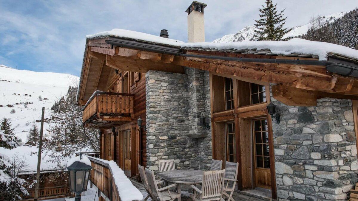 любители зеленого дом из старого дерева в горах фото это значит, что
