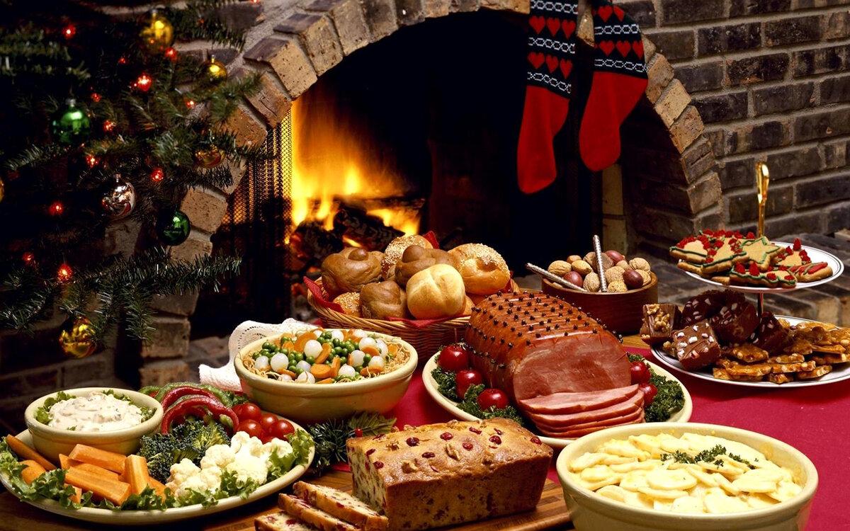 приятный вечерный праздничный стол