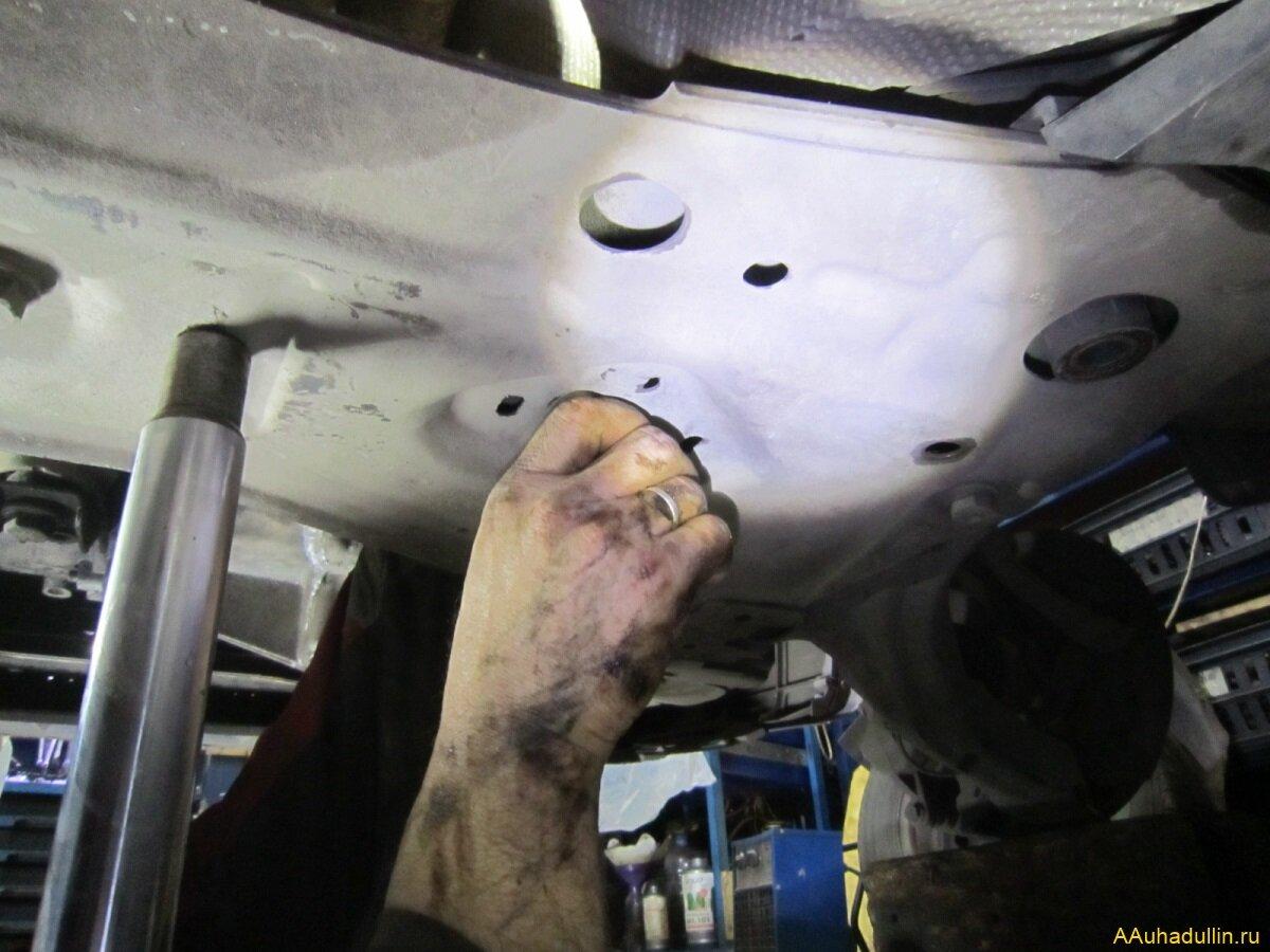 Опускание подрамника Renault Megan 2