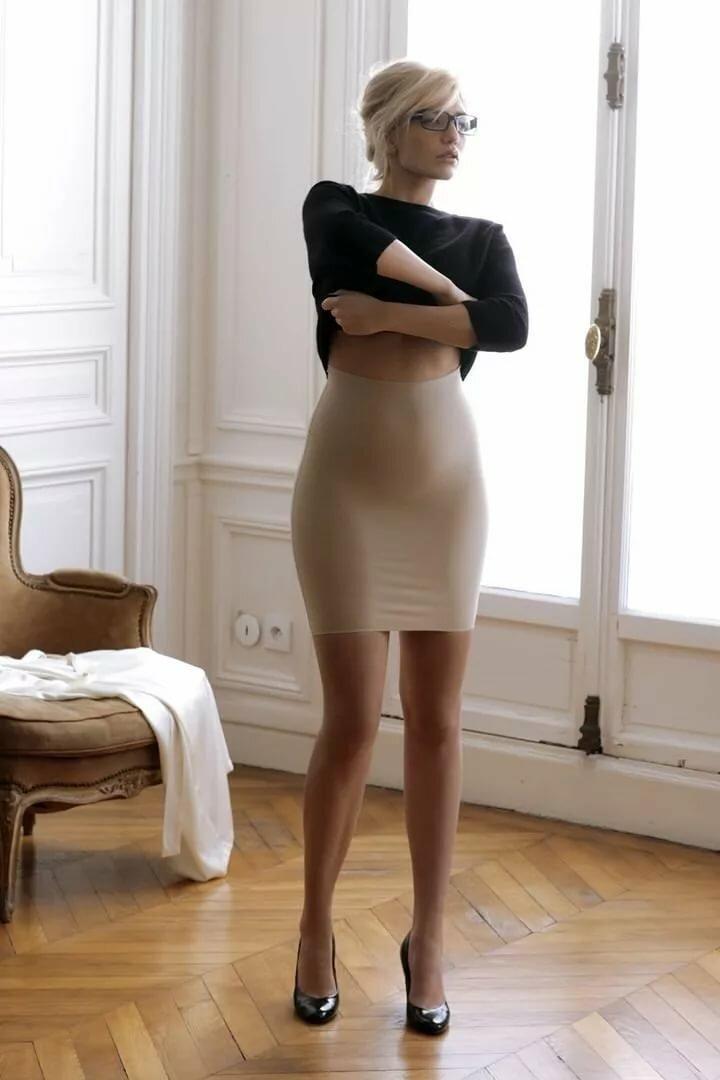 би-любопытных пожилые женщины в обтянутых юбках публикацию познавательно откуда