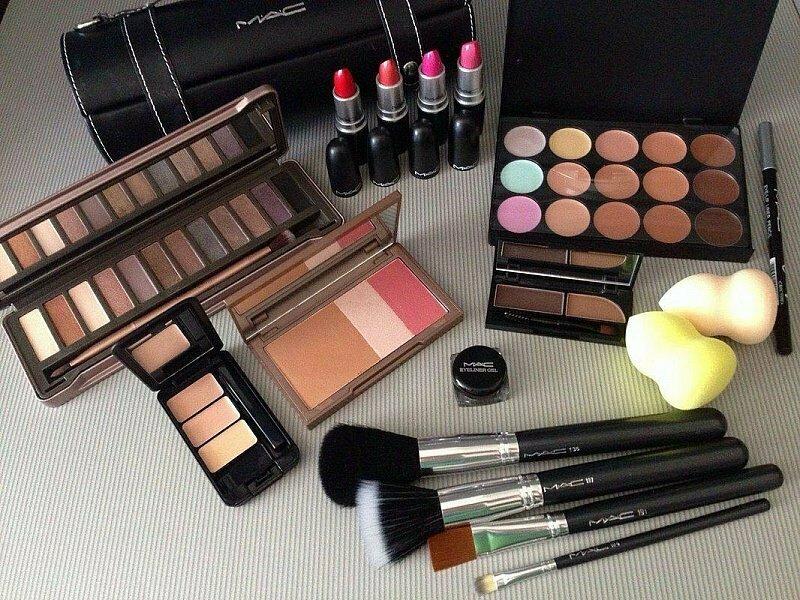 Набор косметики MAC для профессионального макияжа в Волжском