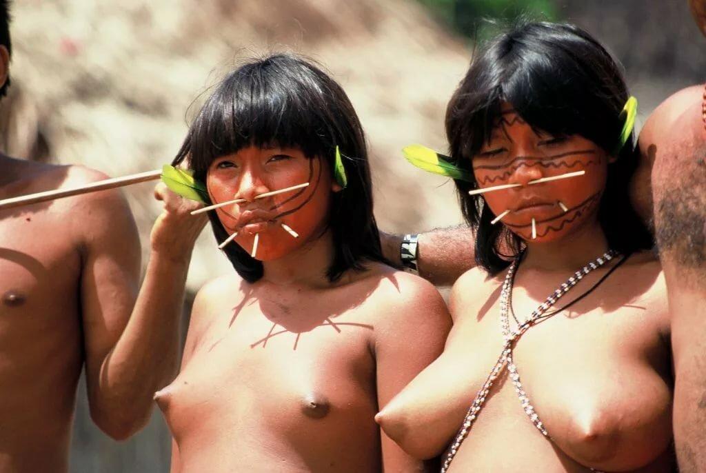 голые женщины дикарей индейцев видео эротика полными телками