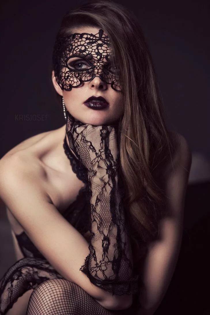 защитить фотосессия в кружевных масках деревянных ложек является