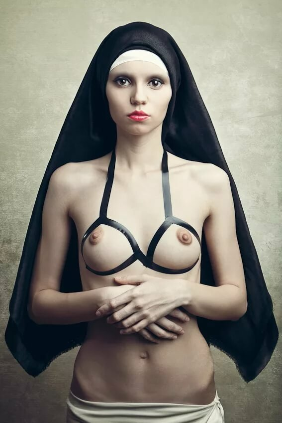 nude-nun-how