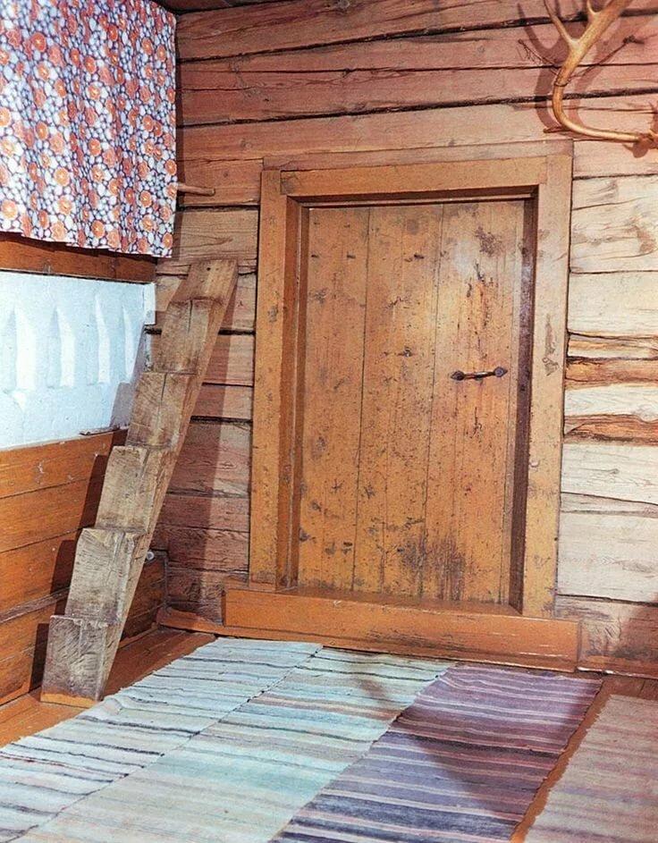 Картинка двери в избе