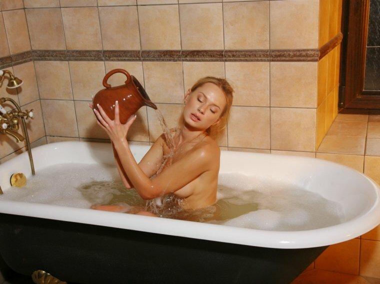 как правильно мыться в ванне женщинам видео