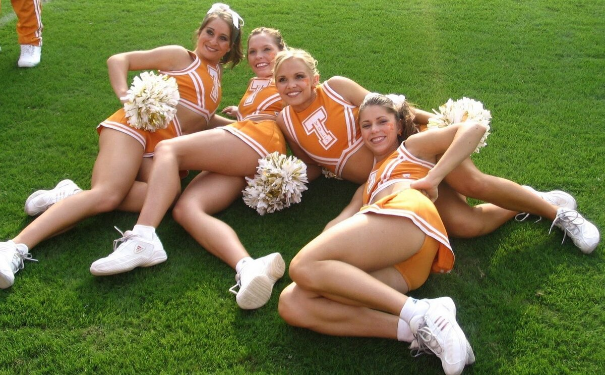 Cheerleader coach topless pictures, selena gomez naked toys