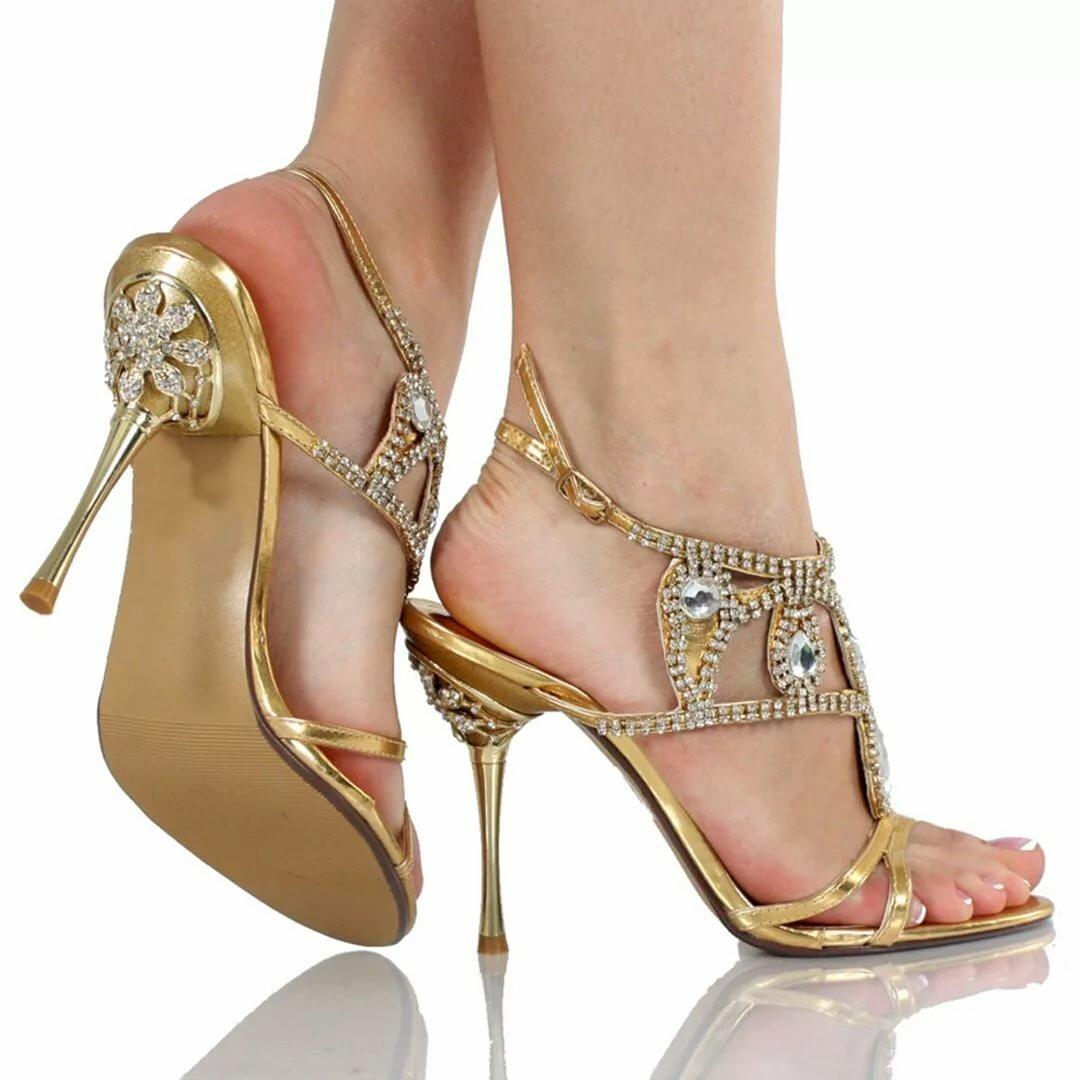 подписи женские ноги в золотых туфлях фото себе дом