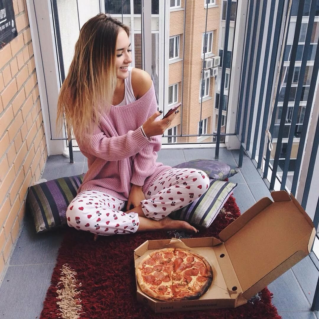 Pink pizza girl pictures
