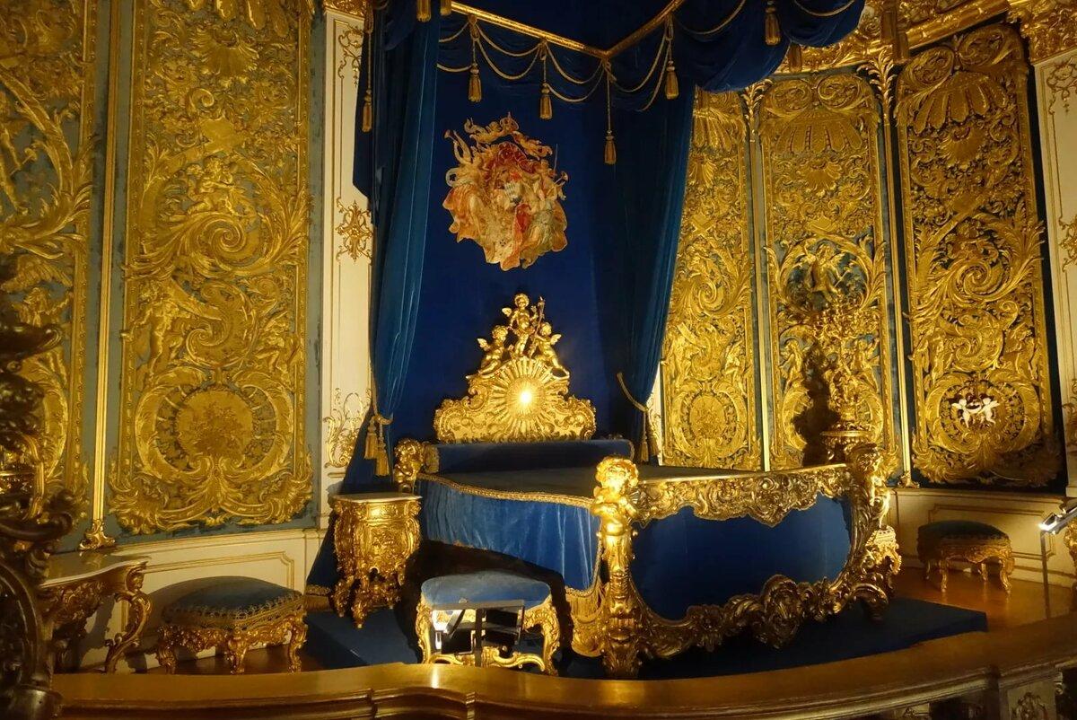 картинка комнаты королевы терракотовый цвет произошло