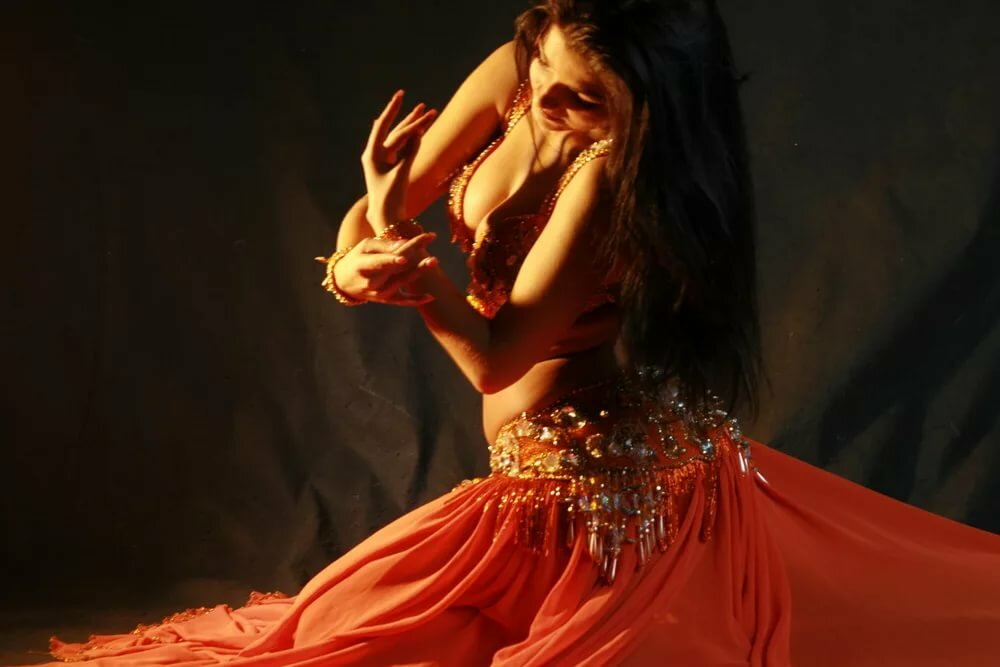 Картинки женщины в восточных танцах