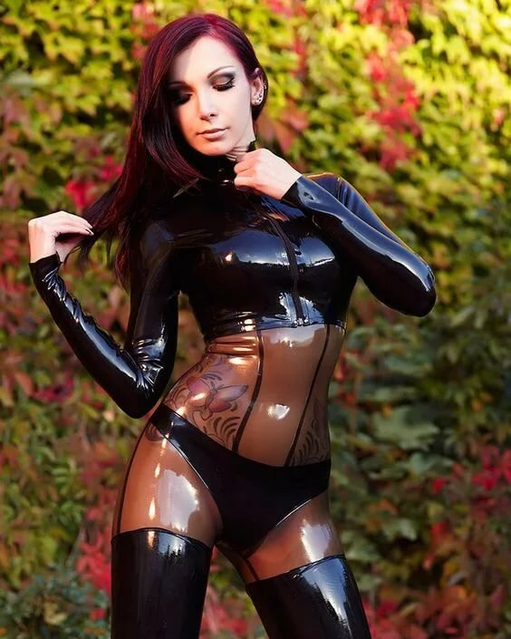 Lucy Latex Es Babes Adultism 1