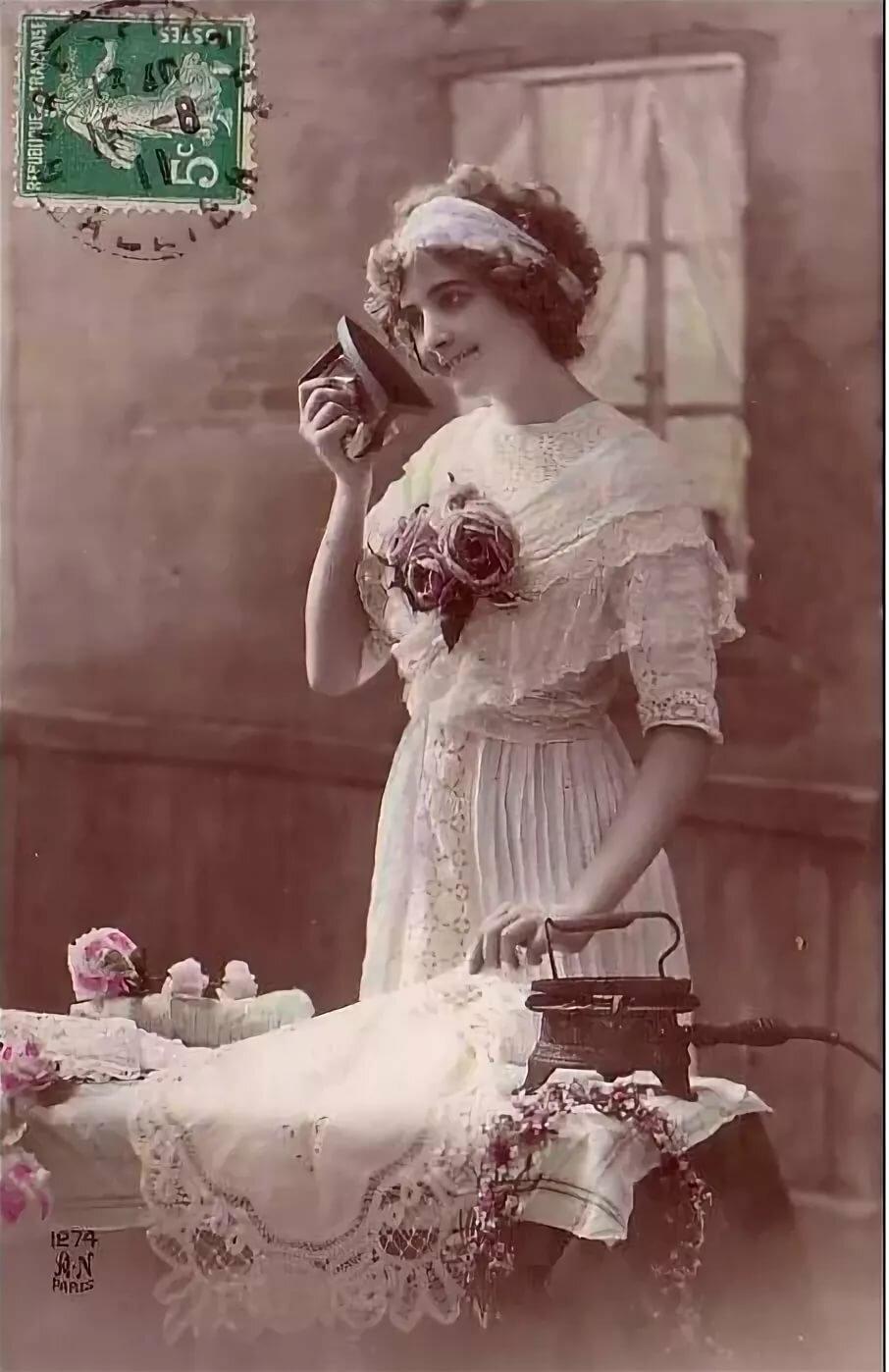 мода на старых открытках поворот располагается