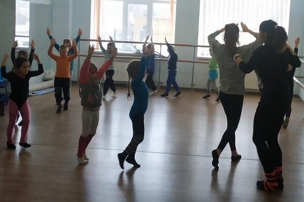 Занятия в инклюзивном танцевальном коллективе «Рассвет»