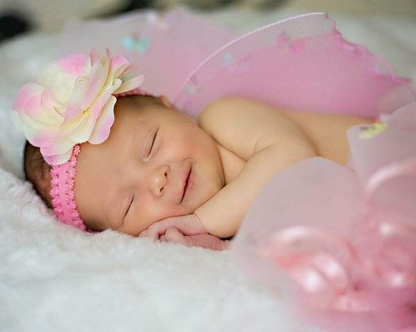 Открытка с новорожденной девочка