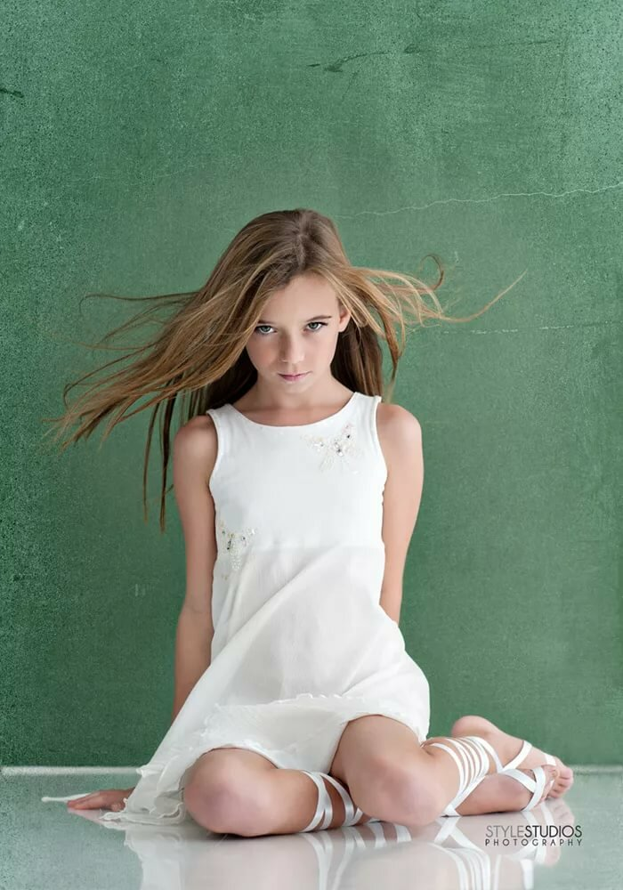 Young teen glamour photos 5