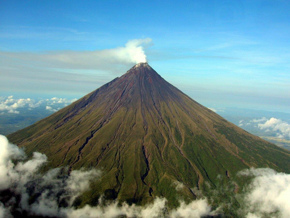 название вулканов и картинки дворе главного здания