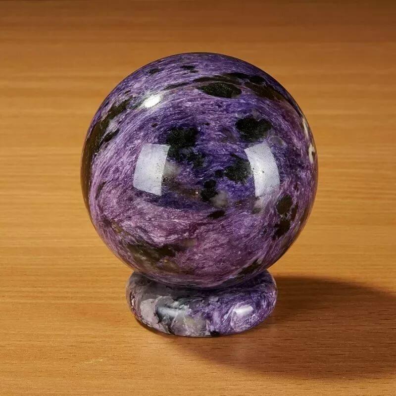 обычная картинка из камня чароит фото