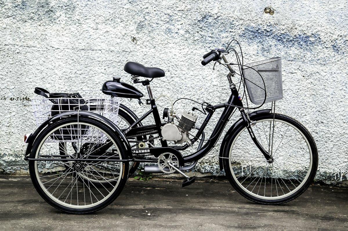 Трёхколёсный велосипед с мотором